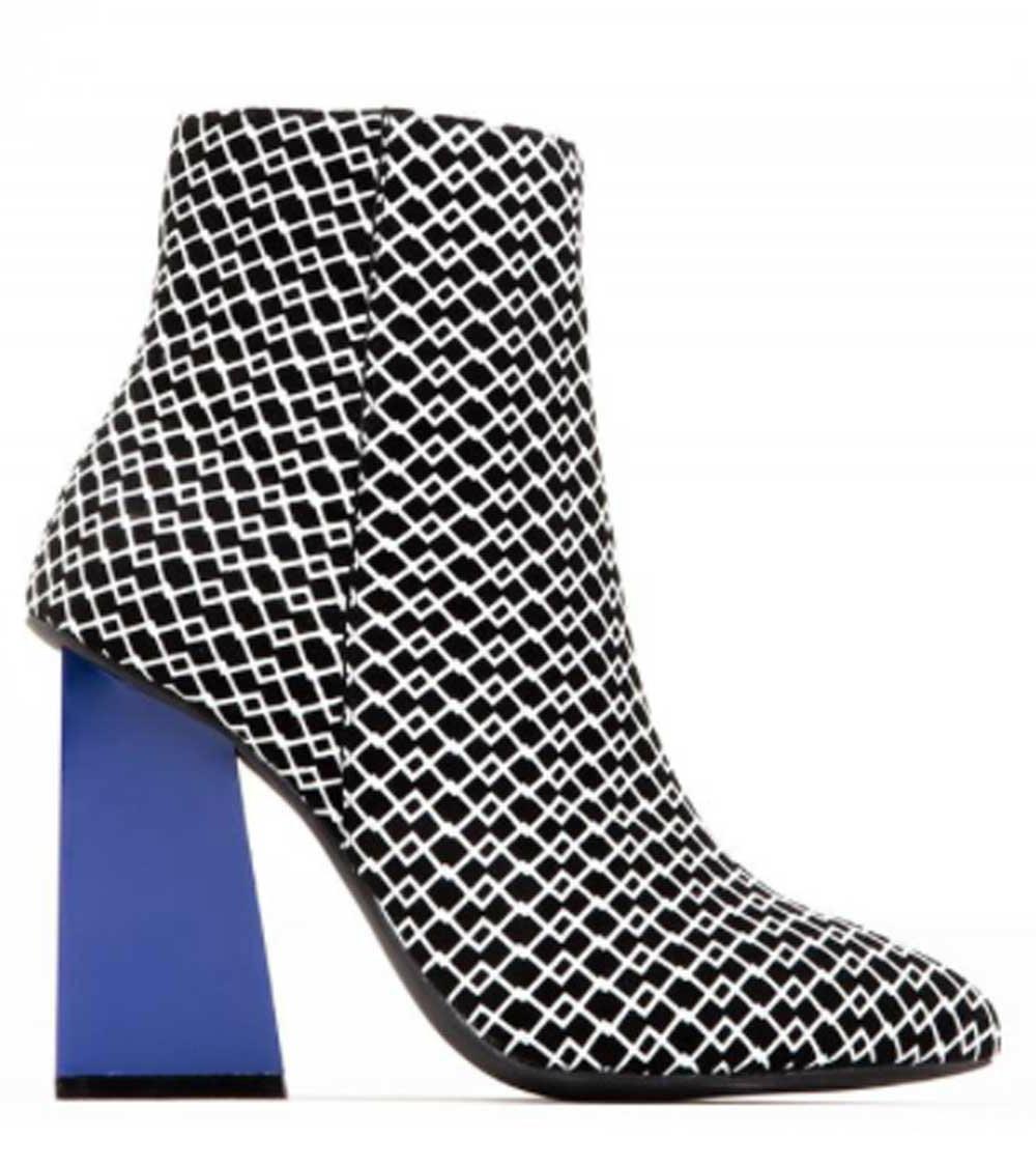 7d57fd36db0 Side View  Women s Shoes