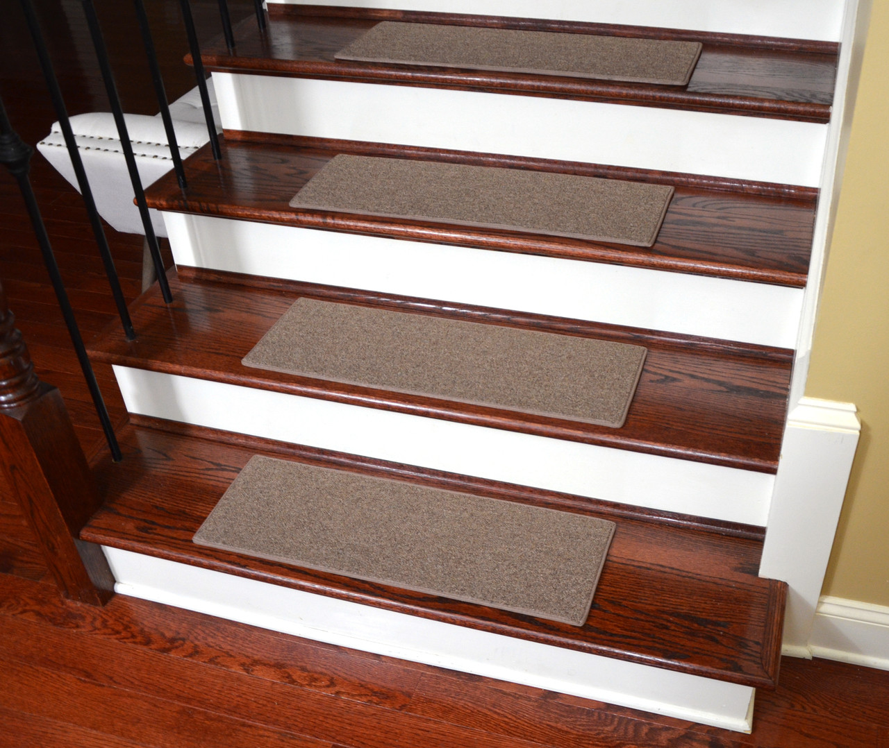 Diy Stair Treads Out Of Flor Tiles: Non-Slip, Tape-Free Carpet Stair Treads For Dogs (Set Of 15