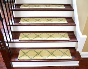 "Dean Premium Non-Skid Carpet Stair Treads/Runner Rugs - Duchess Ivory/Green 35"" x 9"" Set of 15"