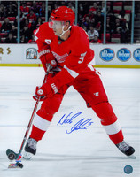 Nicklas Lidstrom Autographed 16x20 Photo #4 - 2012 Home Action