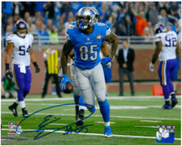 Eric Ebron Autographed Detroit Lions 8x10 #3 - Horizontal Action vs Vikings