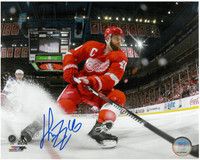 Henrik Zetterberg Autographed Detroit Red Wings 8x10 Photo #11 - Ice Spray
