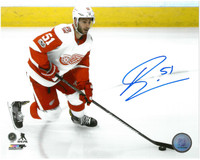 Frans Nielsen Autographed Detroit Red Wings 8x10 Photo #1 - Road Action