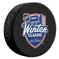 2014 Winter Classic Souvenir Hockey Puck (autograph model)