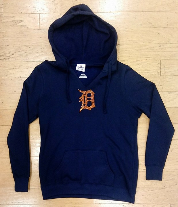 the best attitude 76a7a 3c96e Detroit Tigers Women's Majestic Dream of Diamonds Navy Hoodie