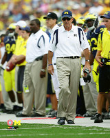 Lloyd Carr Autographed Michigan Wolverines 8x10 Photo (Pre-Order)