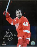 Henrik Zetterberg Autographed Detroit Red Wings 8x10 Photo #12 - Waving To The Crowd