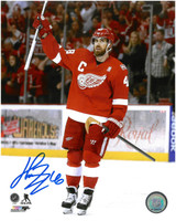 Henrik Zetterberg Autographed Detroit Red Wings 8x10 Photo #13 - 1,000th NHL Game/Final Game At The Joe