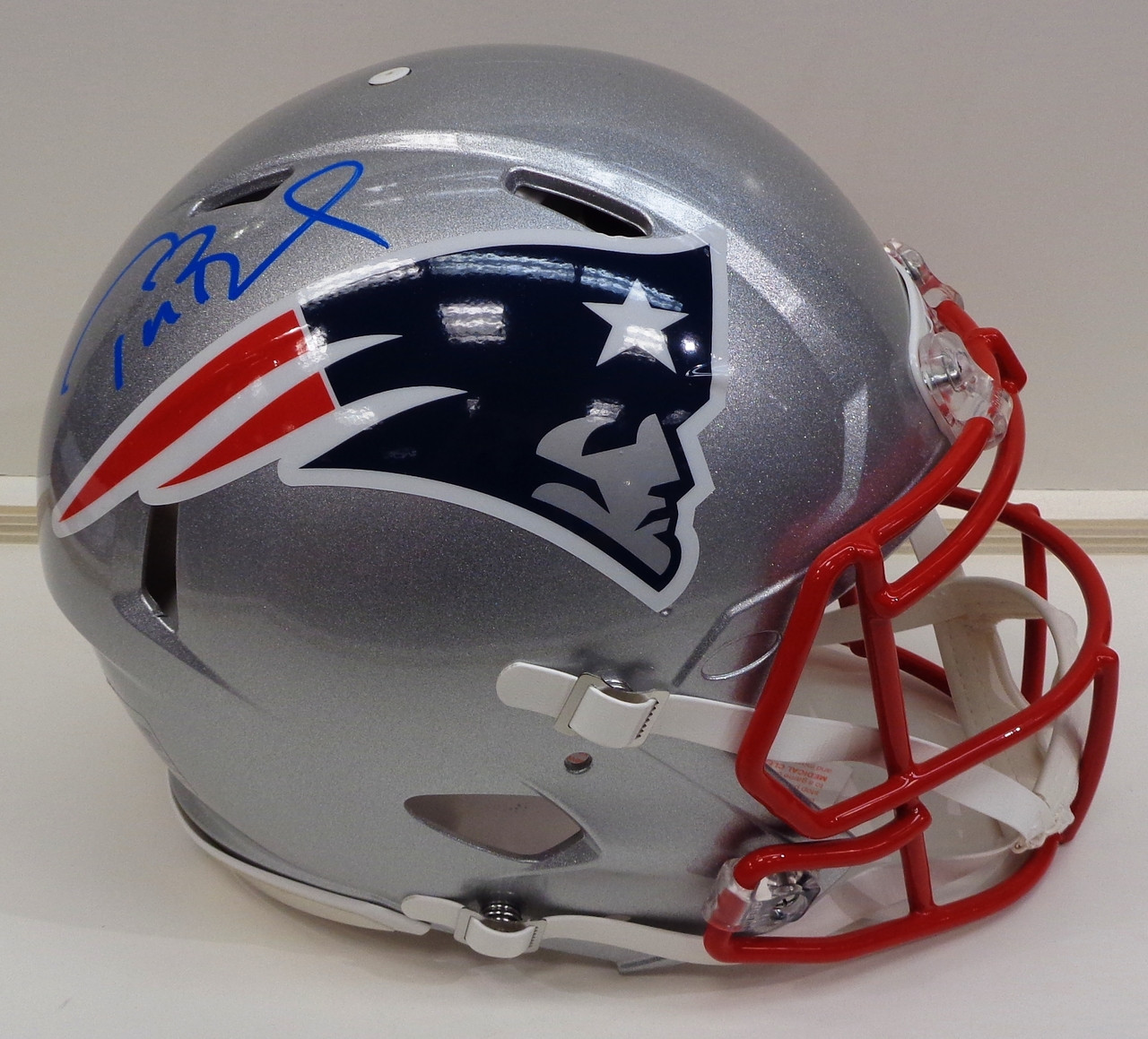 new style 305b7 127aa Tom Brady Autographed Authentic New England Patriots Speed Helmet