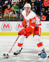 Anthony Mantha Autographed Detroit Red Wings 8x10 #2 - Action Road (Pre-Order)