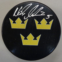 Nicklas Lidstrom Autographed Team Sweden Game Puck