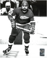 Vaclav Nedomansky Autographed 8x10 Photo #2 - Red Wings B&W (Pre-Order)