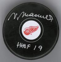 """Vaclav Nedomansky Autographed Detroit Red Wings Souvenir Puck w/ """"HHOF 19"""""""