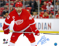 Henrik Zetterberg Autographed Detroit Red Wings 16x20 Photo #3 - Color Horizontal