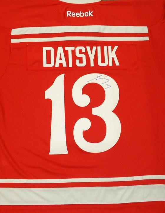 ... Pavel Datsyuk Autographed 2014 Winter Classic Premier Jersey. Image 1.  Loading zoom 3c7c8021c37