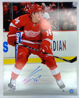 Gustav Nyquist Autographed Detroit Red Wings 16x20 Photo #2