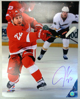 Jordin Tootoo Autographed Detroit Red Wings 16x20 Photo