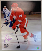 Tomas Tatar Autographed Detroit Red Wings 16x20 Photo #2