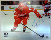 Tomas Tatar Autographed Detroit Red Wings 16x20 Photo #3