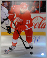 Tomas Tatar Autographed Detroit Red Wings 16x20 Photo #4