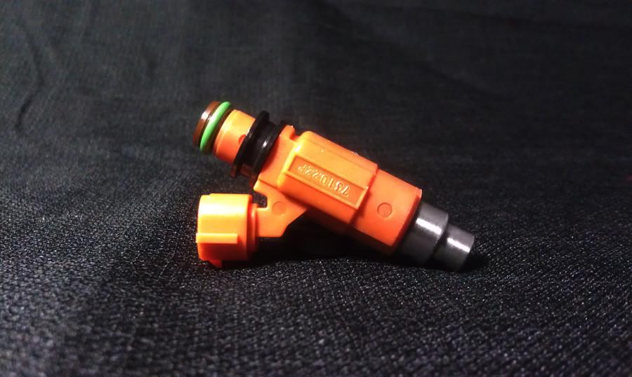 Yamaha F115 Fuel Injector on