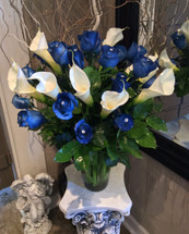 Fresh Calla Lily and Navy Blue Roses with Jewel Pins Embellishment Vase