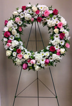 Large Fresh Wreath in shades of Pinks and Whites