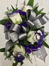 Deep purple tipped sweetheart and statice wrist Corsage