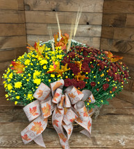 Triple mum basket with fall trim