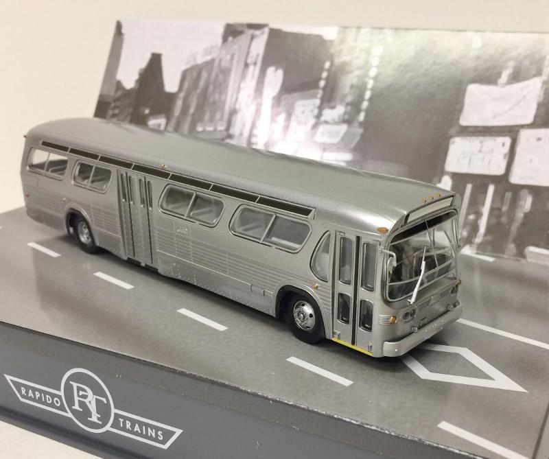 Louis Rapido 701034 H0 Bus GM New Look Bus No.4300 Bi-State St