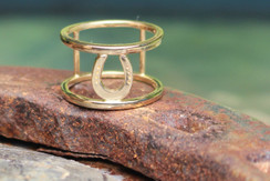 14K gold horse shoe ring