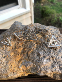 Triangle horse shoe earrings