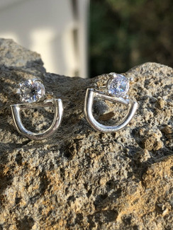 D snaffle bit ring earrings