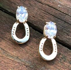 14k gold horse shoe earring