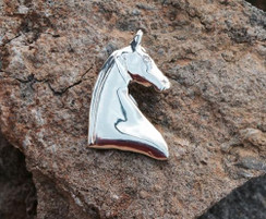 3 gaited sterling silver horse head pendant
