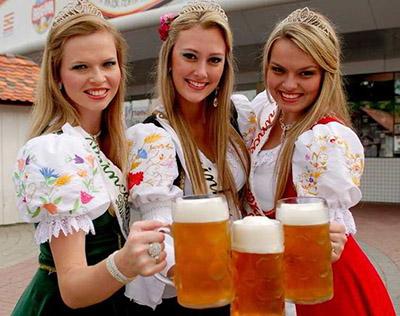 beerwoman400.jpg