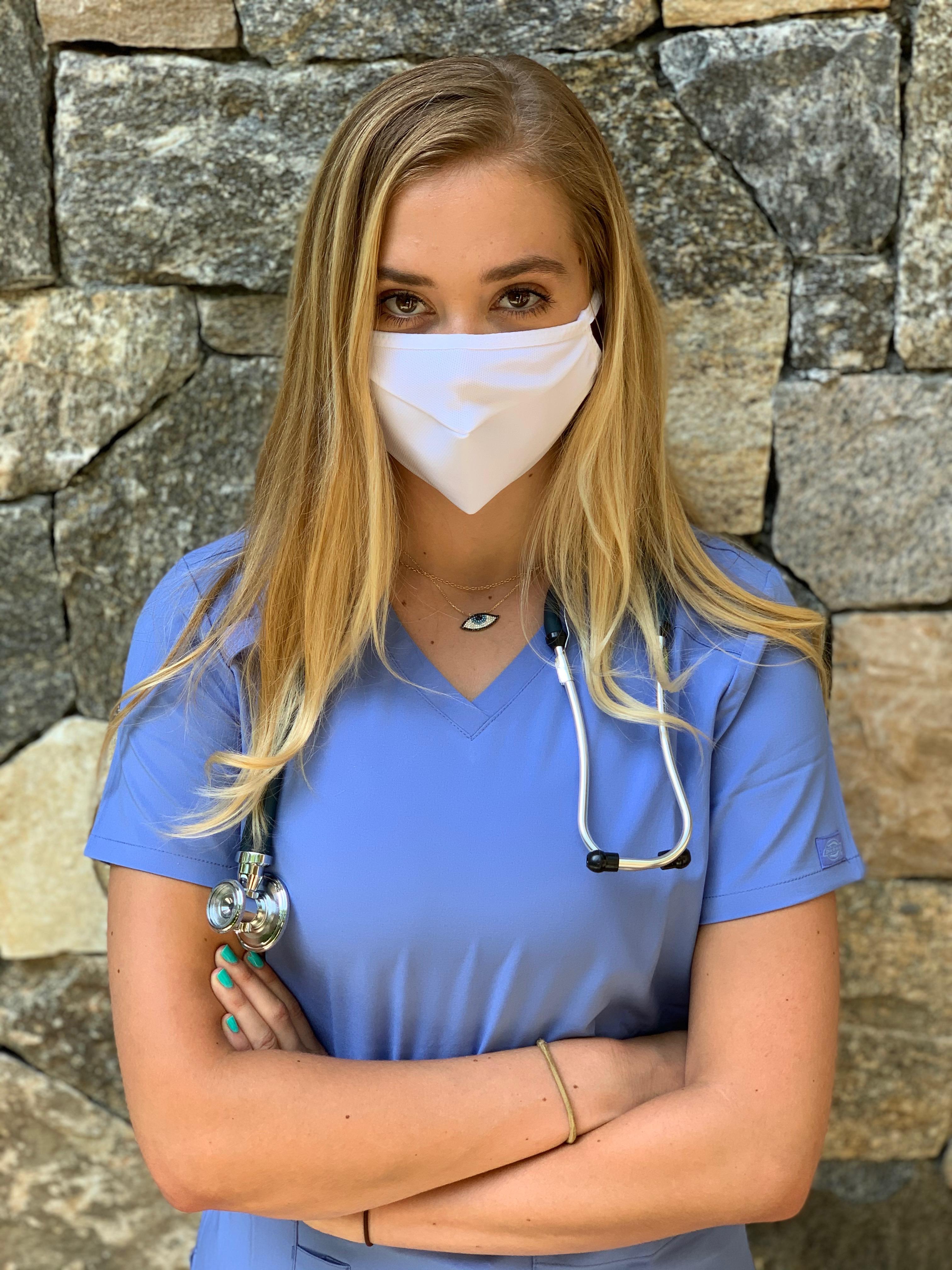 9004-mask-nurse.jpeg