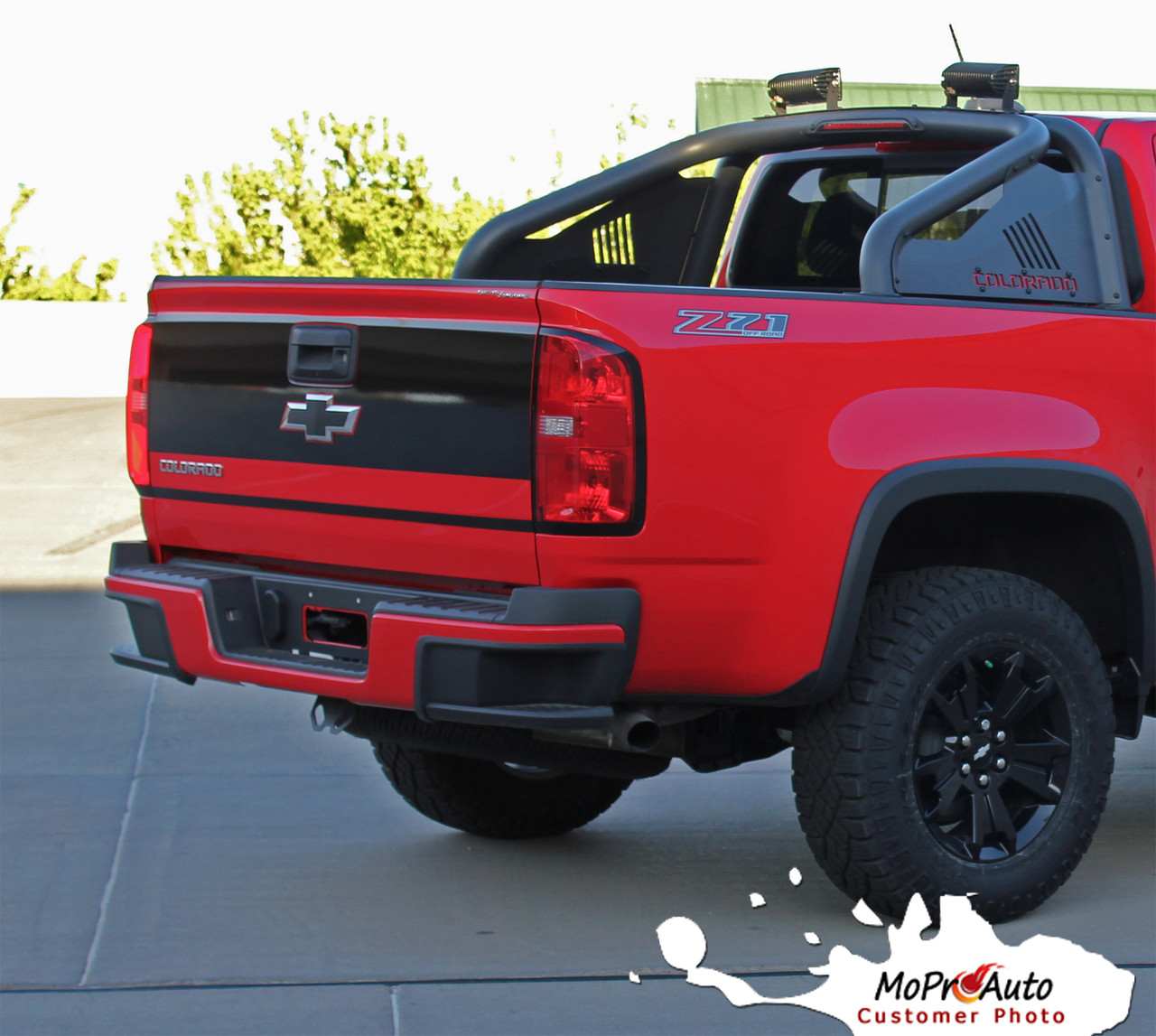 GRAND : 2015-2019 Chevy Colorado Rear Tailgate Blackout