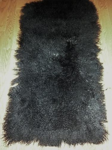 Real Mongolian ( Tibet ) Dyed Black Lamb Fur Rug / Plate Throw New genuine Wool