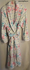 White Snowflake Size 1x Bathrobe w/ Free Shipping