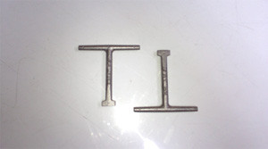 100mm Tall Manhole Cover Hand Keys