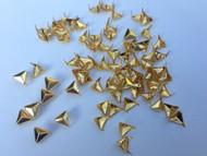 Pack of 100pcs 8MM GOLD Triangle Shape Metal Studs Punk Rock Rivets Spots Nailheads Fastners