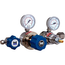3802 Series Dual-Stage Low Delivery Pressure Regulator - SS