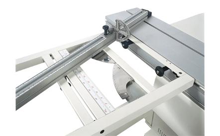 scm-panel-saw-sc4elite-squaring-frame.jpg