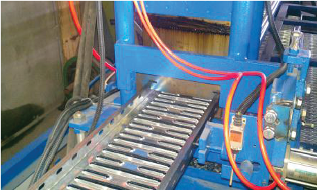 WALL DECK ROLL FORMING MACHINE