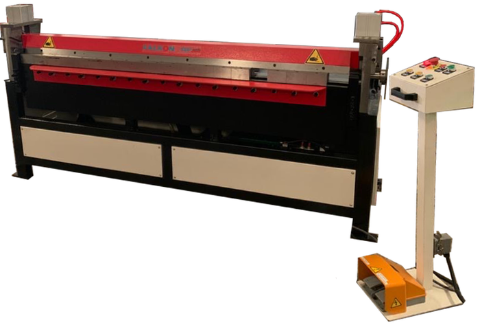 Hydraulic Folding Machine with Pneumatic clamping system