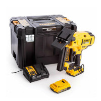 DeWalt DCN682D2-GB 18v XR Brushless 18Ga Flooring Stapler