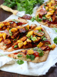 PINEAPPLE & SMOKY BAKED TOFU NAAN PIZZA WITH SPICY BARBECUE HOPPIN SAUCE