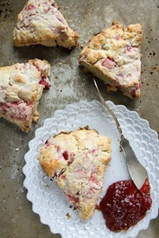 Strawberry Rhubarb Scones - 1 Dozen