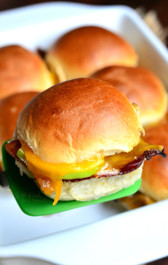 APPLE BACON CHEDDAR BAKED SLIDERS